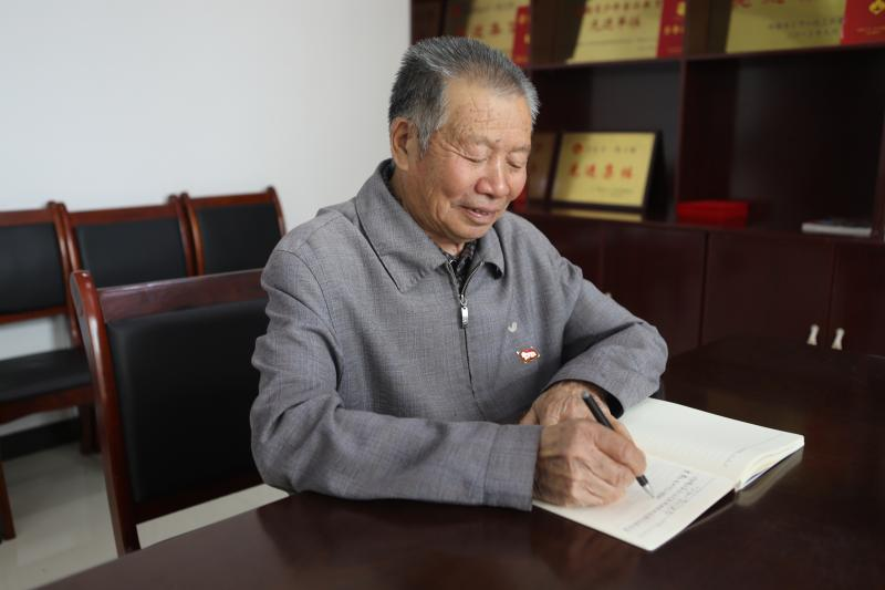 【40年40人】甘大国:让更多孩子梦圆大学