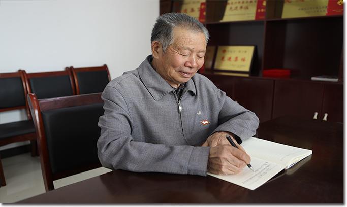 【40年40人】甘大国:化作春泥更护花