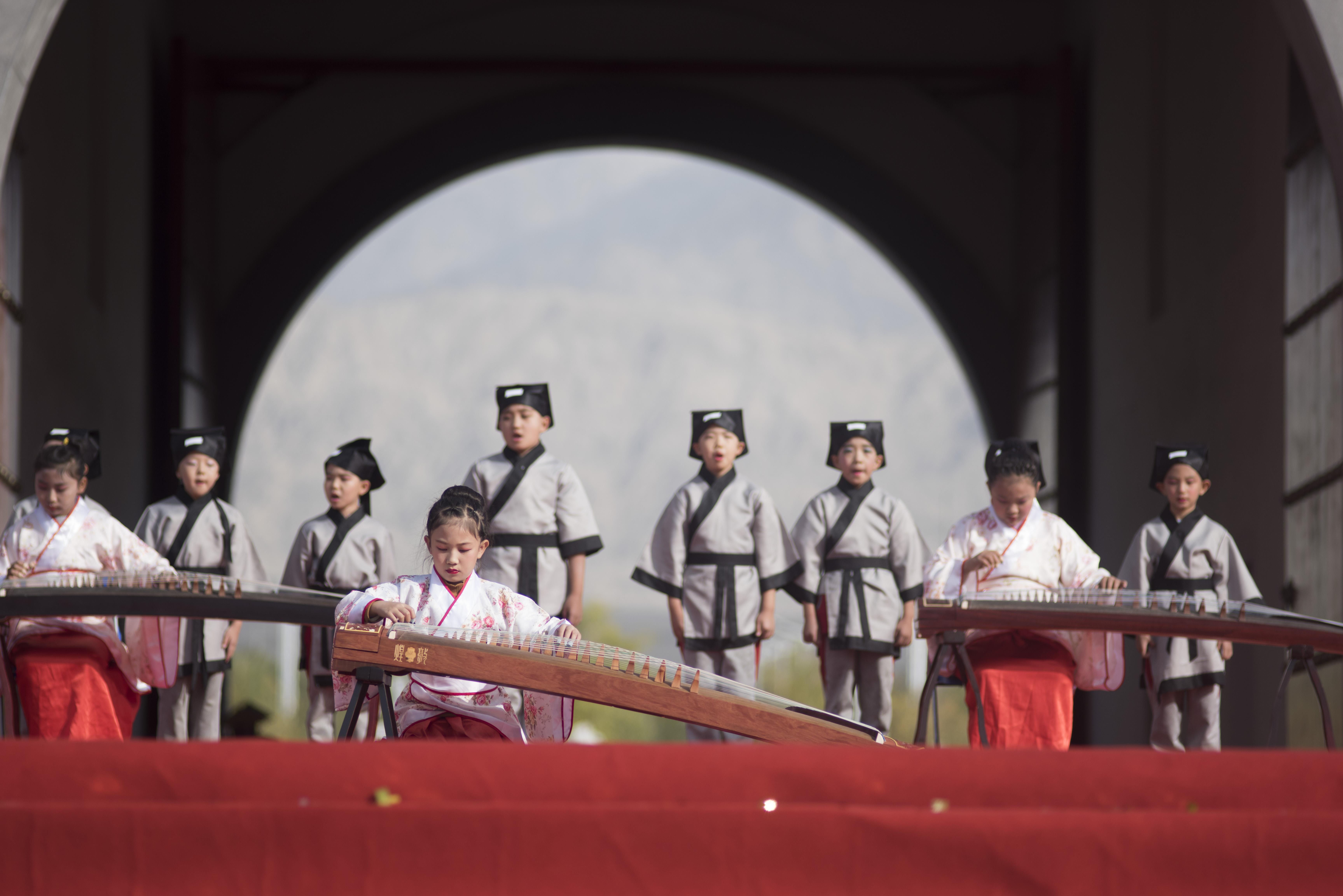 铁门关市第一届丝路文化旅游节开幕
