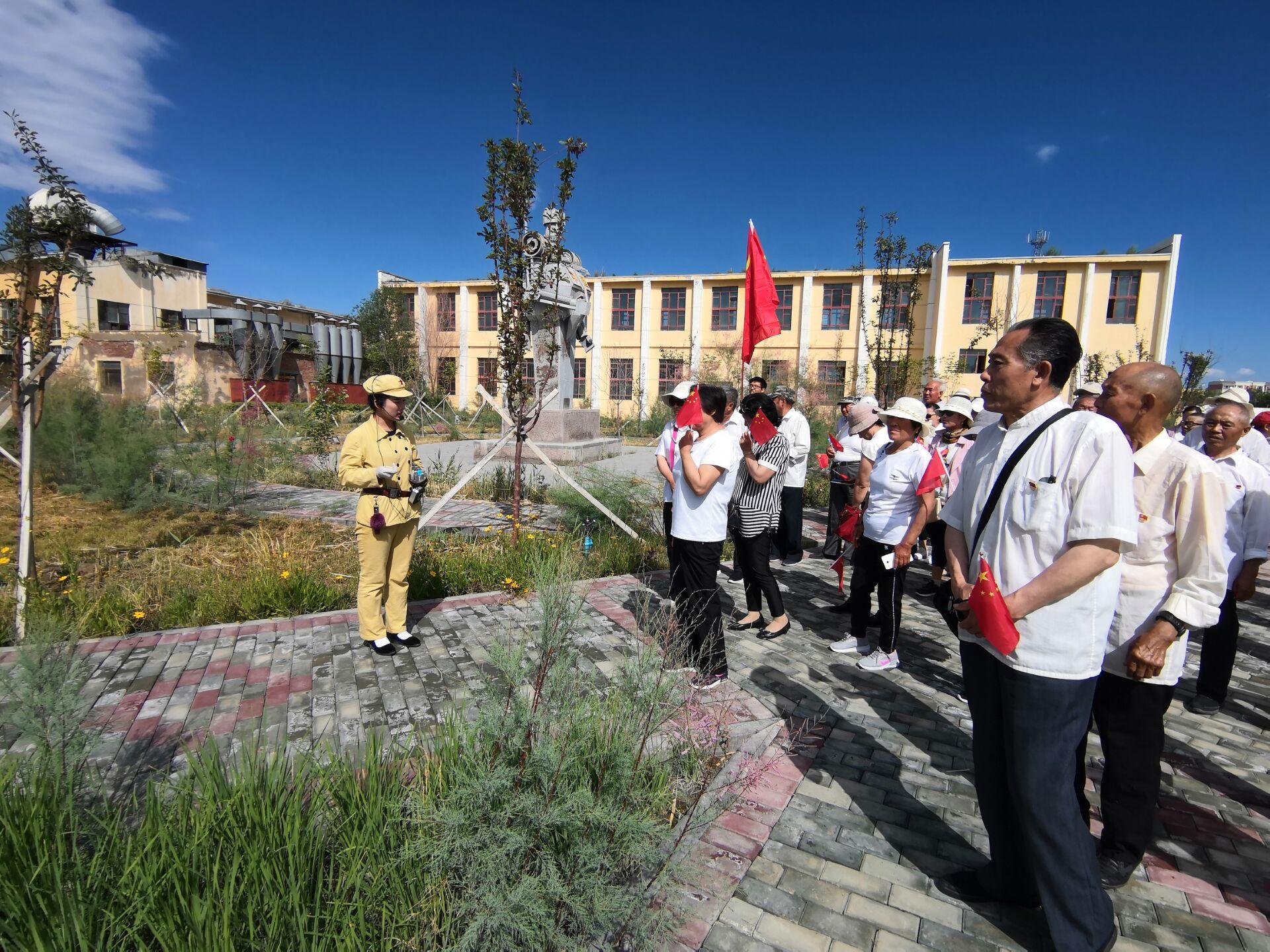 一二九团淮安里社区党支部开展红色教育基地参观学习活动