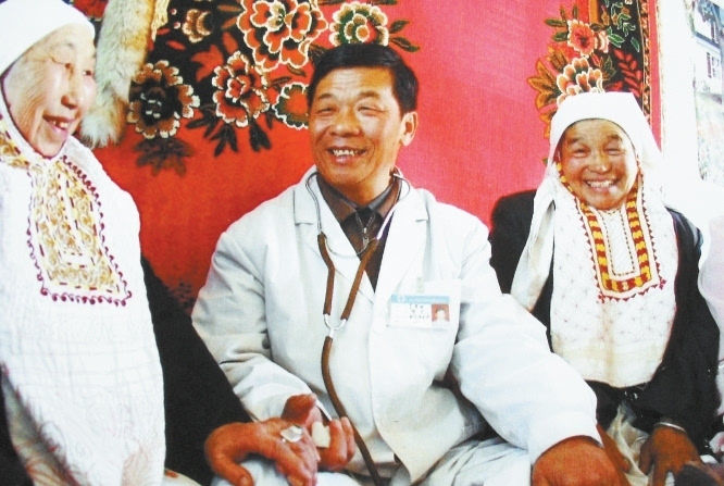 李梦桃:哈萨克族群众的好儿子