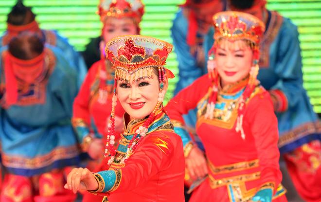兵团老干部局举行庆祝新中国成立70周年文艺演出