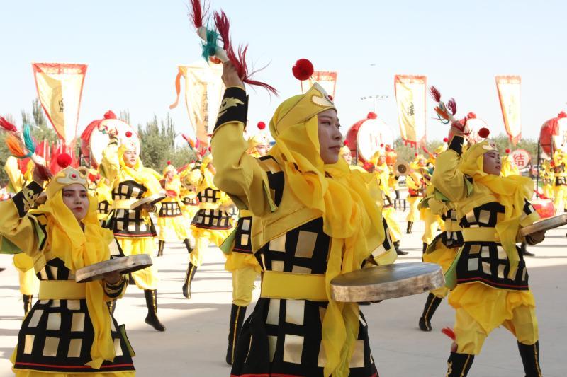 三师举办屯垦文化艺术节
