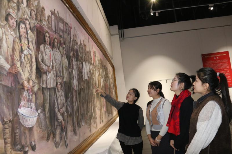七师胡杨河市举办迎新春美术摄影展剪影