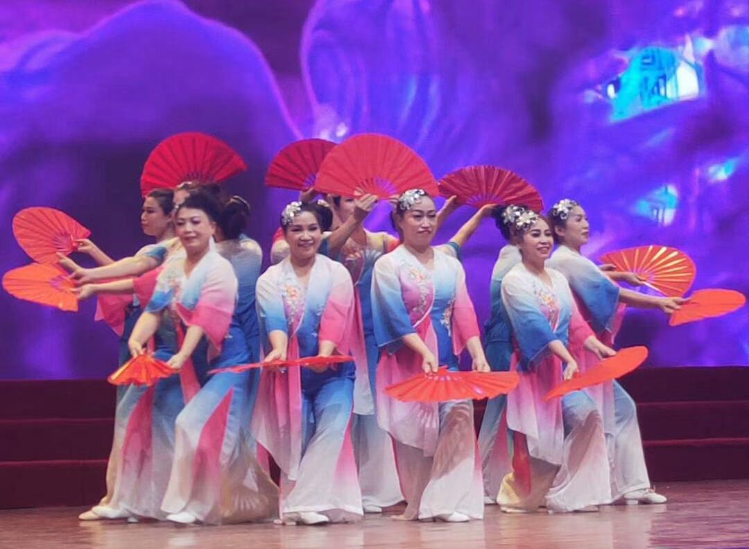 八师石河子总场举办2020年迎新春歌舞晚会