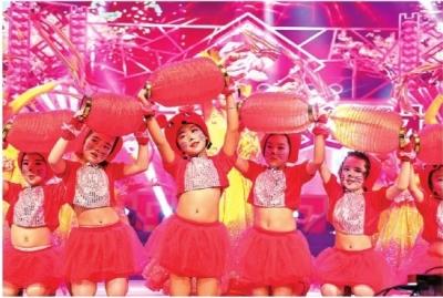 十二师2020年迎新春团拜会:乐享视听盛宴 喜迎新春佳节