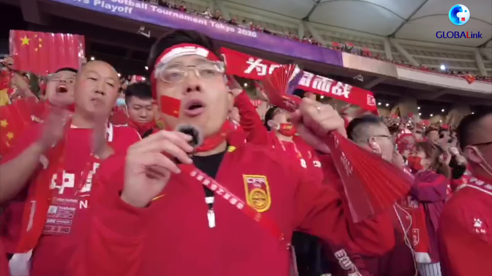GLOBALink | Chinese football fans emotional over women's team victory over S. Korea