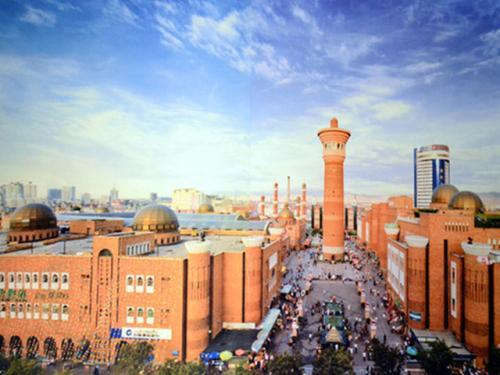 这里是新疆   带你一起感受新疆国际大巴扎的热闹非凡